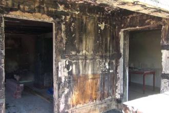 Un adolescent din Neamț și-a salvat frații dintr-un incendiu. Casa s-a făcut scrum