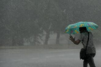 Trei oameni ucişi de fulger, în urma unei furtuni care a lovit Sri Lanka