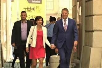 Cuplul prezidențial, surprins la o biserică din Sibiu, la slujba de Rusalii