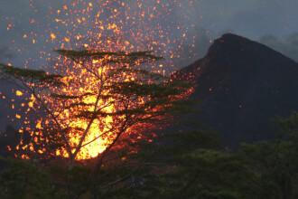 Erupții explozive ale vulcanului Kilauea. Un bărbat care se afla pe balcon a fost rănit grav