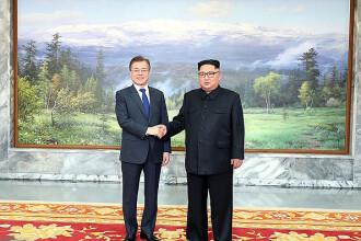 Întâlnire surpriză între Kim Jong-un și președintele sud-coreean, în zona demilitarizată. Discuțiile purtate