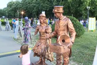 Festival Internaţional de Statui Vivante, în Capitală. Spectacolul impresionant din prima seară