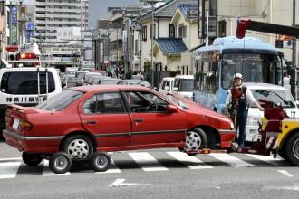 O maşină a intrat în mulţime în Japonia şi a ucis un pieton. Cine era la volan