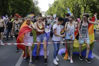 Parada gay, programată în Capitală în aceeaşi zi cu mitingul pro-Dăncilă anunţat de PSD