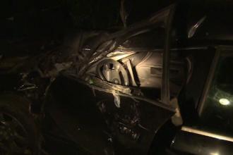 Șoferiță rănită după ce mașina s-a blocat pe șine și a fost lovită de tren. Ce a făcut soțul ei