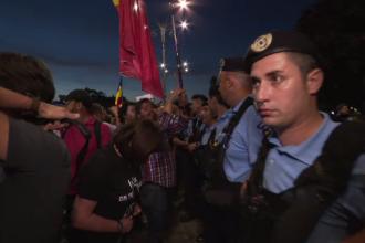 """Filmul protestelor din toată țara, după decizia CCR. """"Democrația a murit în România"""""""