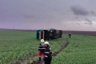 Autocarul răsturnat de tornada din Călăraşi transporta pelerini.