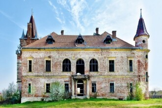 Suma cu care a fost scos la vânzare un castel istoric din Maramureș