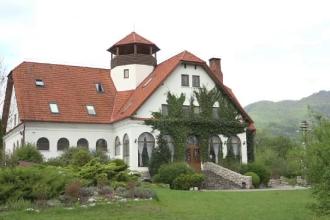 Preţul uimitor al unei nopţi de cazare în castelele din Transilvania.