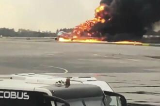 Primele imagini din interiorul avionului care a aterizat în flăcări la Moscova. VIDEO