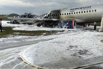 Pasagerii avionului care a luat foc la Moscova s-au grăbit să-și ia bagajele, în loc să fugă