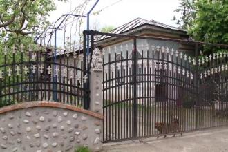 Adolescentă din Olt suspectată că și-a ucis bebelușul și i-a ascuns cadavrul după fotoliu