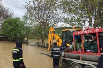 Hidrologii avertizează: cod portocaliu și cod galben de inundaţii în aproape toată țara