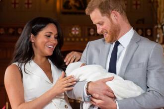 De ce îl ține Harry în brațe pe fiul său, în locul lui Meghan. Explicația specialiștilor