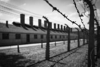 Haine jignitoare, scoase la vânzare. Legătura dintre Auschwitz și aceste produse. FOTO