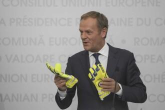 """Donald Tusk a vorbit în română la Sibiu: """"Toată Europa s-a îndrăgostit de voi"""""""