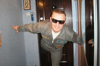 Cine e pilotul care s-a prăbuşit cu un elicopter rusesc. A reuşit să păcălească radarele