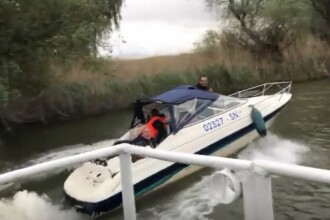 Incident în Delta Dunării. Un fotograf a fost atacat în timp ce se plimba cu un grup de străini