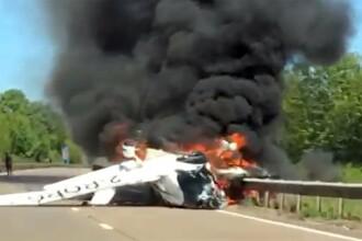 """Adolescenți salvați în ultimul moment dintr-un avion în flăcări. """"O grămadă de metal topit"""""""