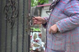 Un tânăr de 22 de ani și-a violat bunica de 79 de ani. Ce l-a înfuriat