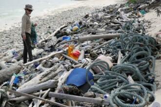 Insula pe care au fost găsite sute de mii de periuțe de dinți și un milion de pantofi