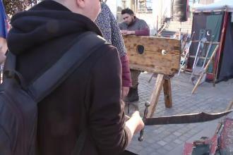 Festival medieval la Craiova. Unii trecători s-au plâns că nu au şi ei săbii