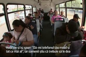 Mexicanii umblă la ei cu telefoane false, pe care le dau hoților atunci când sunt jefuiți