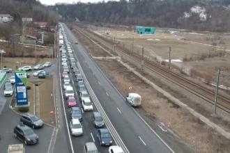 Cum explică ministrul Transporturilor lipsa autostrăzilor în România. Replica lui Dragnea