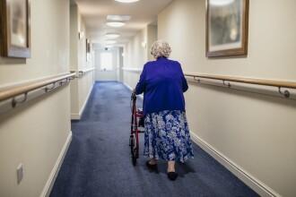 Criminală la 102 ani. O femeie și-a ucis vecina, de 92 de ani, de la azilul de bătrâni