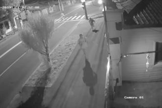 Crimă filmată în Galați. Tatăl a 2 copii a fost zdrobit cu bâtele şi înjunghiat în inimă