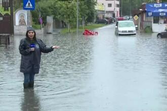Ploaia torențială din București a inundat cartiere întregi. Mii de mașini blocate în trafic