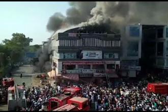 Incendiu devastator într-un centru de meditații: Studenții s-au aruncat de la etaj pentru a se salva