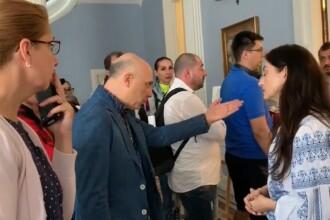 """Nemulțumirea unui român din Londra: """"N-am venit la biserică. Am venit să votăm"""". VIDEO"""
