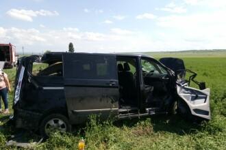 Şapte victime, după ce un autoturism a fost lovit de un TIR, în Bacău