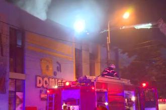 Incendiu într-un mall din Capitală, duminică seară. Cum a decurs intervenția pompierilor