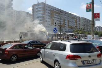 Un tramvai a luat foc în zona Dristor din Capitală. VIDEO