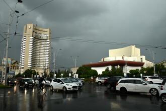 Cod galben de ploi torenţiale, vijelii şi grindină, până la ora 23.00, în cea mai mare parte a ţării