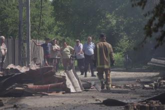 Gospodărie din Prahova, mistuită de flăcări. Cum s-a evitat un dezastru și mai mare