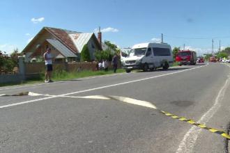Microbuz cu pasageri implicat într-un accident, în Dâmbovița. 3 oameni au ajuns la spital