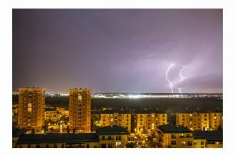 Cod galben de ploi torenţiale, descărcări electrice, vijelii şi grindină pentru 31 de județe