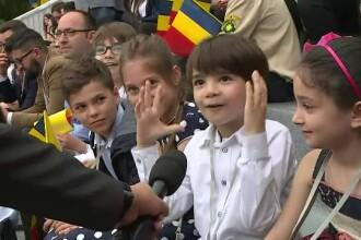 Reacția amuzantă a unui băiat de 7 ani, după ce a stat aproape de Papa Francisc. VIDEO