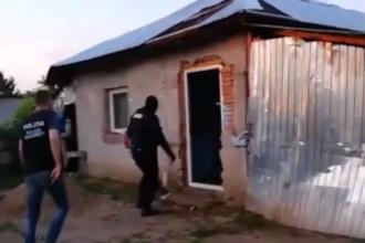 Familie de traficanţi de heroină, descoperită în Clejani. Aduceau drogurile cu rata