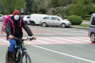 Bicicleta, cel mai sigur mijloc de transport pe timp de pandemie. Cât costă una echipată de oraș