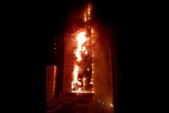 VIDEO. Un zgârie-nori din Emiratele Arabe Unite a ars ca o torță. 7 persoane au ajuns la spital