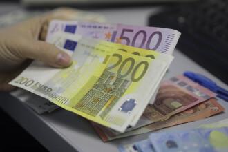 Bani gratis de la stat. Țara în care trăiesc 1 mil. români dă un venit minim. Cine îl primește