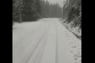 VIDEO. Ninsori abundente pe Transfăgărășan și în Harghita. Drumarii au intervenit