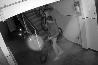 Cum au reușit doi tineri să fure două biciclete de la etajul 9 al unui bloc din Ploiești