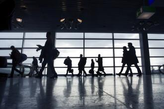 În ce s-a deghizat un tânăr din SUA, pentru a păcăli autoritățile de pe un aeroport din Germania. A vrut să-și vadă iubita