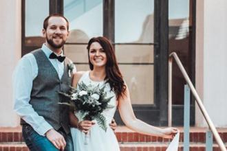 O femeie s-a căsătorit cu cel care i-a salvat viața într-un atentat