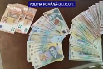 Operațiune de amploare în Dâmbovița. 13 persoane duse la audieri, după ce au fost descoperite droguri de mare risc